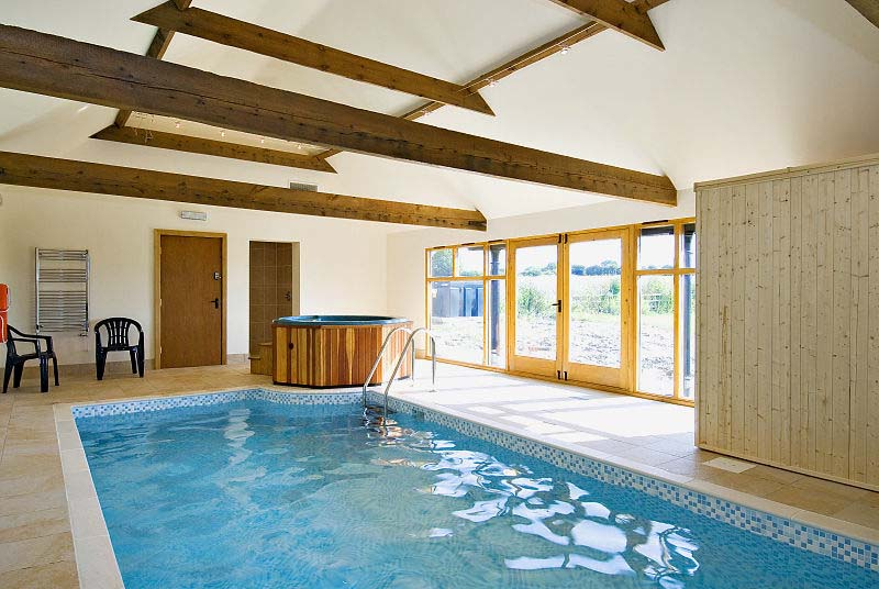 Holiday Cottage In Lincolnshire Exclusive Use Of Swimming